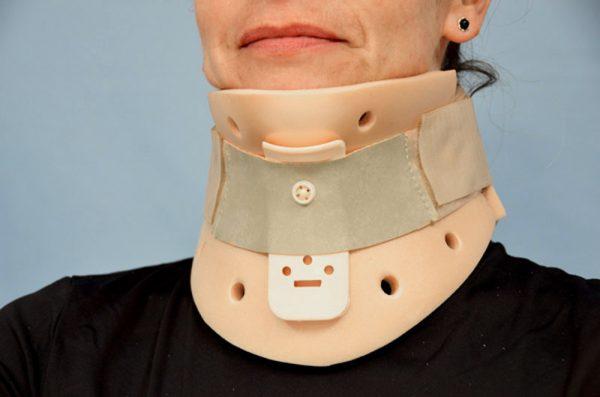 03050 - Collarín Philadelphia sin traqueotomía (3 tallas)